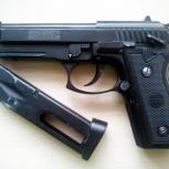 Продам б/у пневматический пистолет пулемёт swiss arms p92 (beretta), Новосибирск
