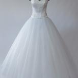 Свадебное платье белое пышное с ручной вышивкой, Новосибирск