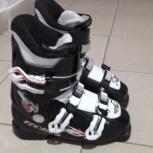 Продам детские горнолыжные ботинки Tecnica 37 р., шлем, очки., Новосибирск