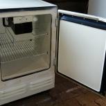 Продам небольшой б/у холодильник Саратов(0), Новосибирск