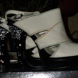 Продам праздничные туфли., Новосибирск