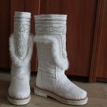 Продам унты белые женские с вышивкой, Новосибирск