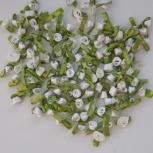 Белые и фиолетовые атласные цветы для рукоделия, Новосибирск