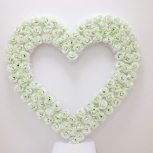 Свадебное сердце для зала из белых роз, Новосибирск