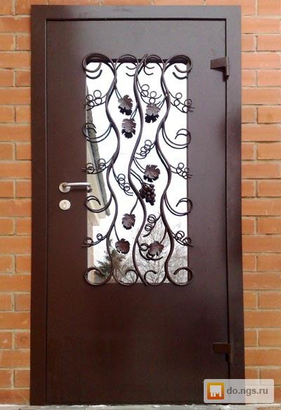 металлические входные двери с стеклопакетом и кованой решеткой