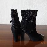 продам новые женские ботинки натуральная замша с принтом р.37, Новосибирск