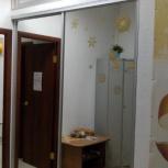 Продам зеркальные двери(маленькие на фото с верху)от встроенного шкафа, Новосибирск