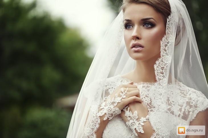Свадебные прически с закрытым платьем и фатой