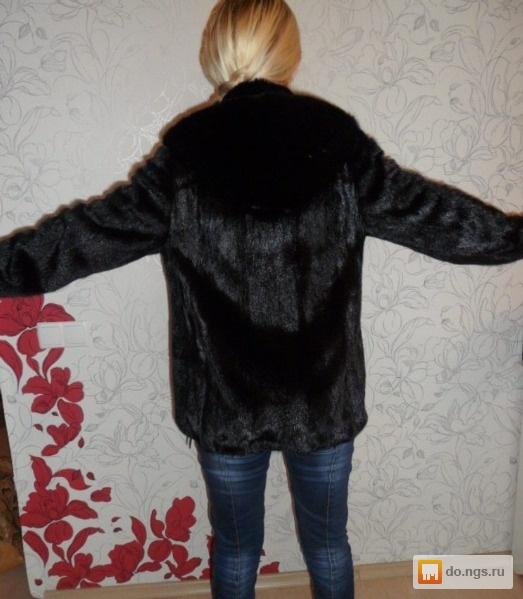 Витрина магазина новые норковые шубы полушубки куртки пиджаки по самым низк
