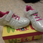 Продам  кроссовки для девочки, Новосибирск