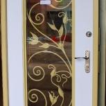 Входная дверь в загородный дом со стеклом и художественной ковкой, Новосибирск