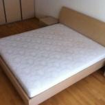 Продам 2-х спальную кровать и 2 тумбочки, Новосибирск