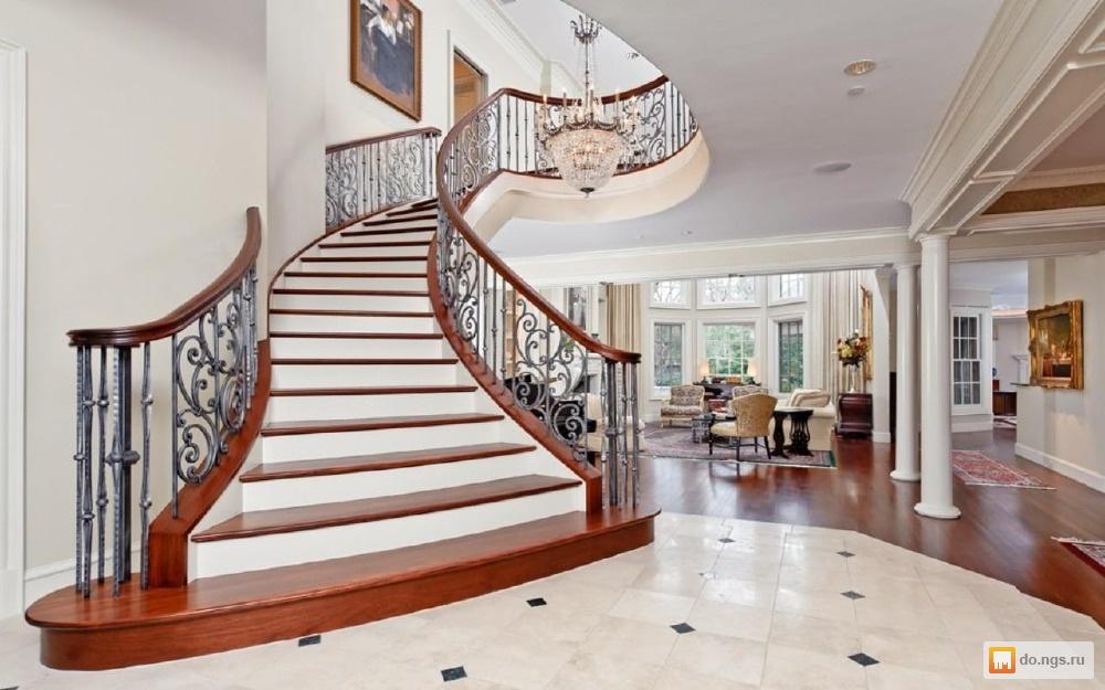 Лестницы новые внутри дома