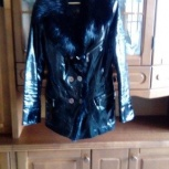 Продам кожаную лаковую куртку с меховой отделкой, Новосибирск