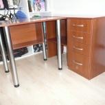 Мебельный уголок из углового стола и шкафчиков, Новосибирск