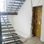 Металлический лестничный марш,лестница,лестничная площадка,ступени, Новосибирск