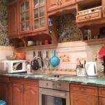 продам кухонный гарнитур из натурального дерева, Новосибирск
