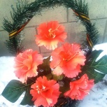 Продам недорого оптом ритуальные венки, корзины искуственные цветы, Новосибирск