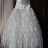 Cвадебное платье с кружевом + в подарок фата и кринолин, Новосибирск
