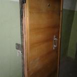 Двери: входная с замками (железо) и межкомнатные б/у, Новосибирск