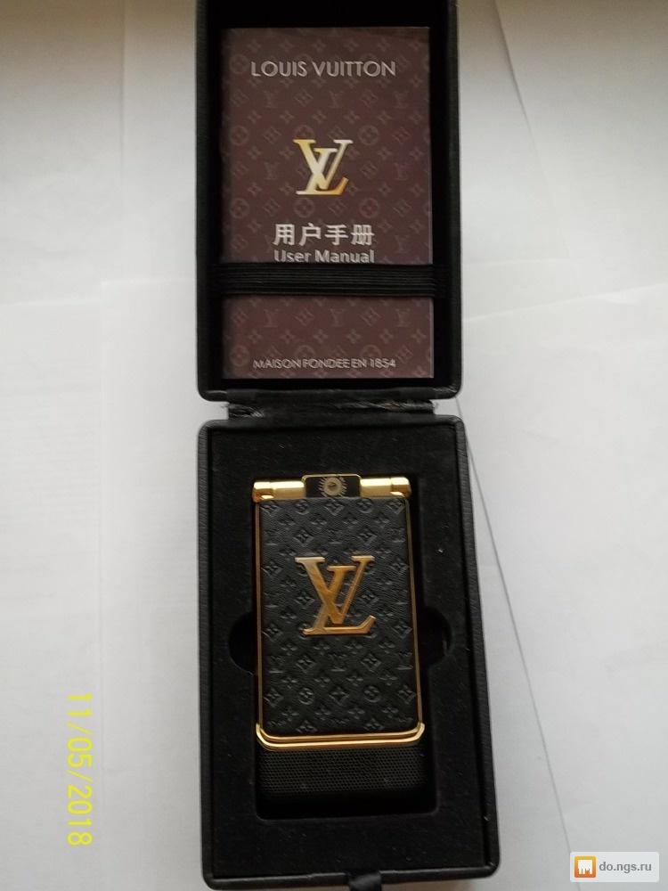 Телефон-раскладушка Louis Vuitton б у Цена - 2150.00 руб., Новосибирск -  НГС.ОБЪЯВЛЕНИЯ 11f20b64616