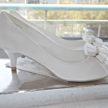 Свадебные белые туфли на низком каблуке, Новосибирск