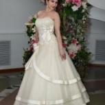 Свадебные платья, фата, фуршетный столик, свадебная арка в подарок, Новосибирск