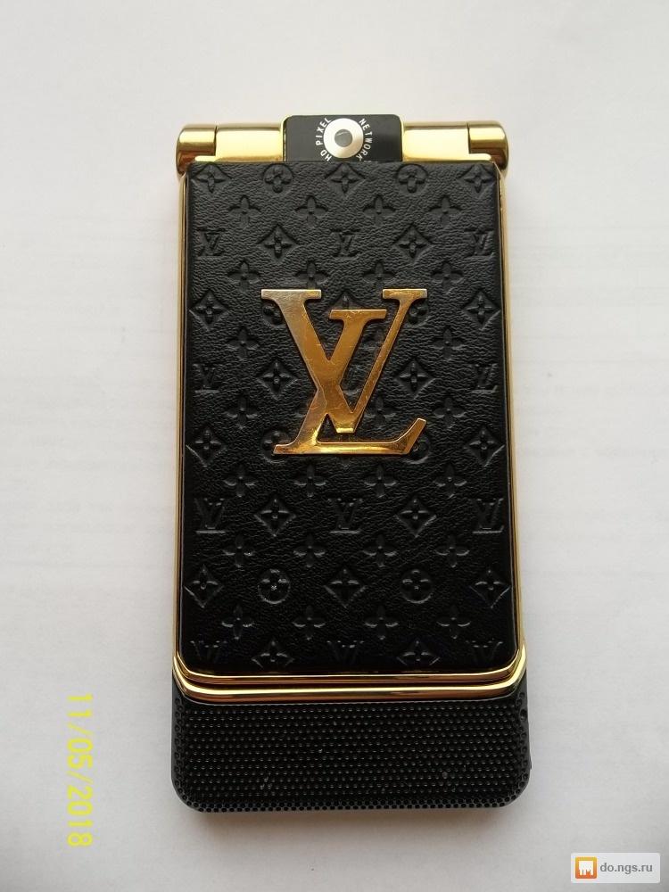 Телефон-раскладушка Louis Vuitton б у Цена - 2150.00 руб ... 2a00f2a38ae