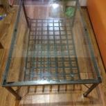 Продам стеклянный журнальный столик икея, Новосибирск
