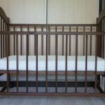 Продам детскую кровать-качалку с матрасом, Новосибирск
