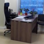 Продам стол руководителя цвета дуб сафари в отличном состоянии, Новосибирск