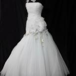 Свадебное платье + украшение в волосы, Новосибирск