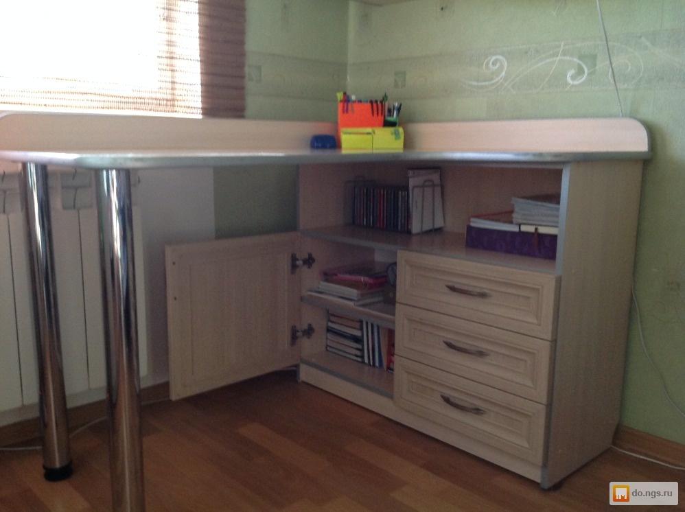 Письменный стол + книжный шкафчик (для школьника) б/у, фото..