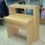 Продам стол-витрину (дизайнерский), с выдвижным ящиком, почти новый, Новосибирск